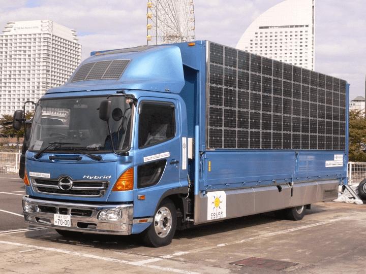 熊本地震の支援に派遣されるソーラーパワートラック