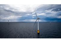 世界最大の浮体式洋上風力発電所、スコットランド沖で稼働開始の写真