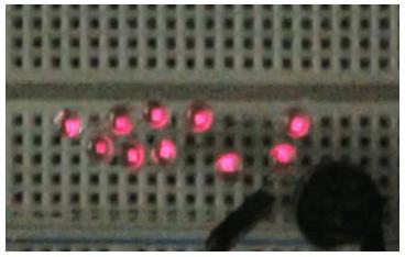 摩擦発電機によるLEDの点灯